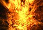 В Соломенском районе горят гаражи с дорогими автомобилями