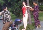 Кукла из секс-шопа нормализовала движение транспорта