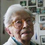 Кровь старейшей женщины в мире помогла ученым найти границу жизни и смерти