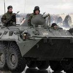 Очевидец утверждает, что войска России подошли к украинской границе вплотную