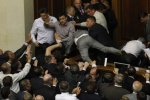Депутаты Рады выгнали лидера коммунистов из зала заседаний
